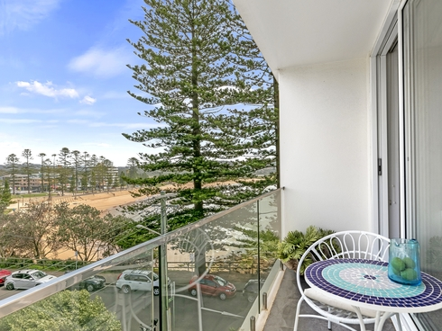 18/2 Monash Parade Dee Why, NSW 2099
