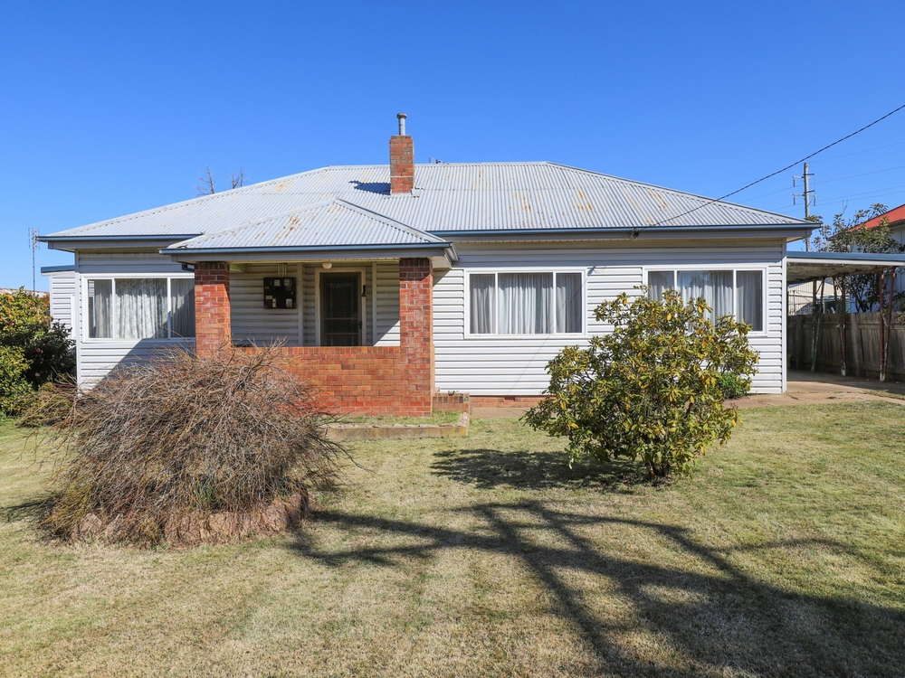 66 Scotia Avenue Oberon, NSW 2787