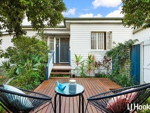 69 Elizabeth Avenue Clontarf, QLD 4019