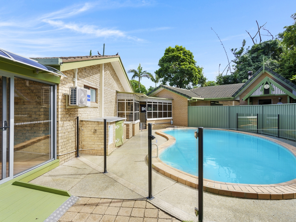 18 Pitta Place Burleigh Waters, QLD 4220