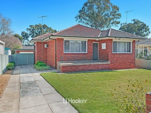 56 Wyena Road Pendle Hill, NSW 2145