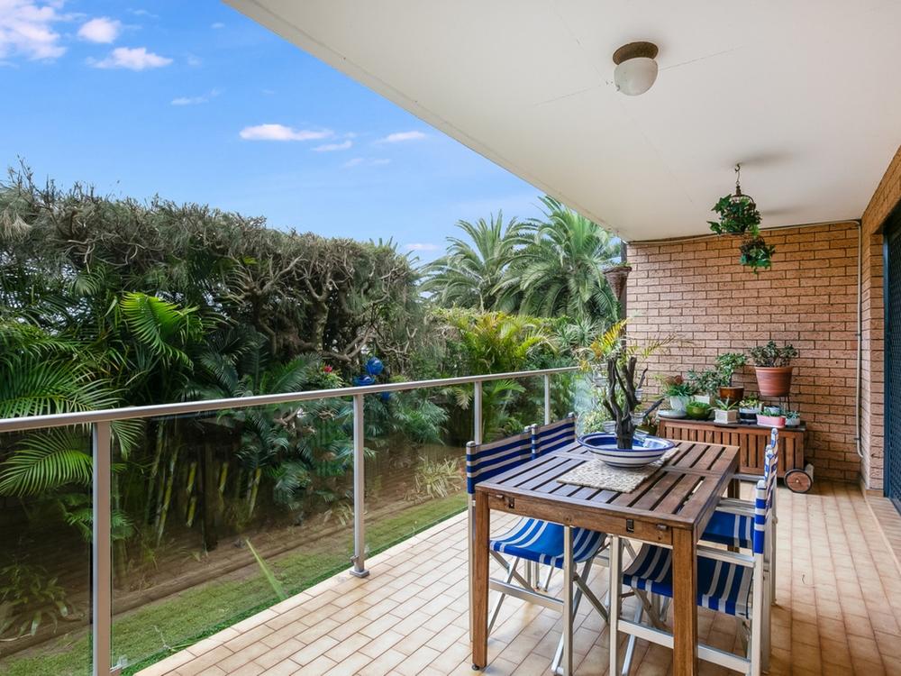 2/42 Golf Avenue Mona Vale, NSW 2103