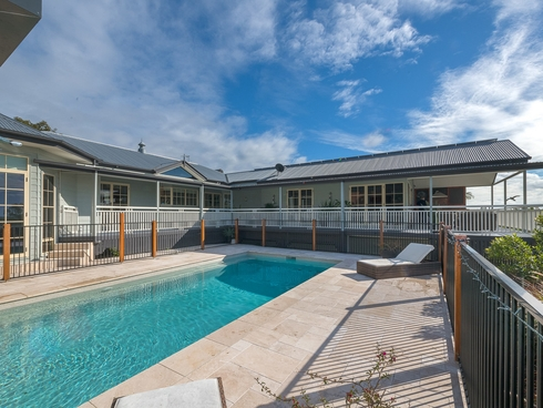 88 Tamworth Drive Helensvale, QLD 4212