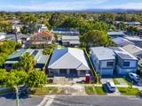 2/5 Kenmar Street Labrador, QLD 4215
