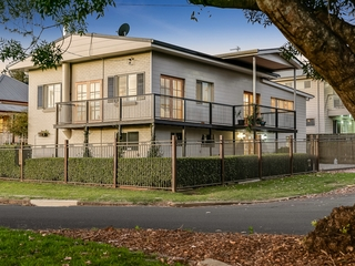 6 Burstow Street East Toowoomba , QLD, 4350