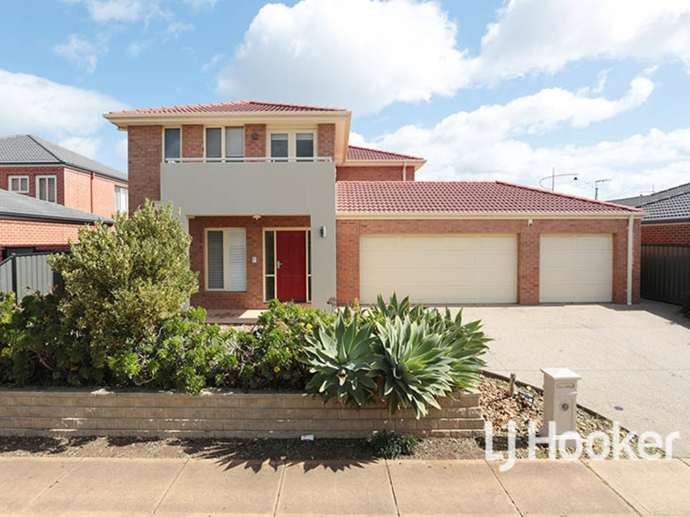 15 Oliver Place Point Cook, VIC 3030