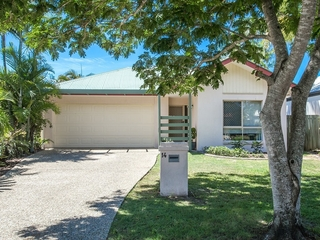 14 Fantail Place Twin Waters , QLD, 4564