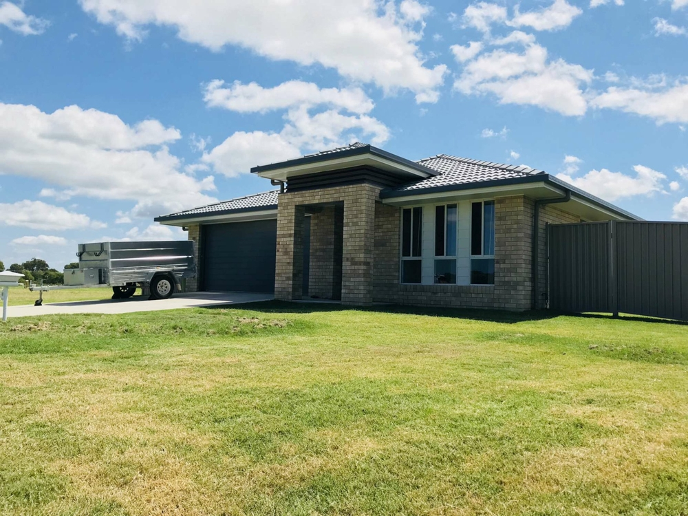4 Semph Cres Laidley North, QLD 4341