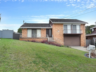 25 Ayres Crescent Georges Hall , NSW, 2198