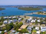 16 Dunnes Avenue Hope Island, QLD 4212