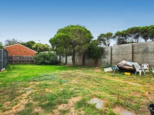 13 Neville Avenue Seaford, VIC 3198