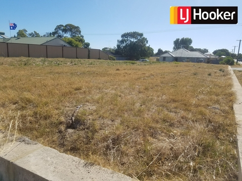 66 Karunjie Road Golden Bay, WA 6174