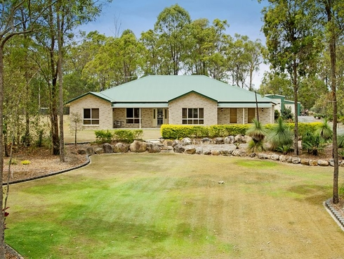 27 Woodend Court Park Ridge, QLD 4125