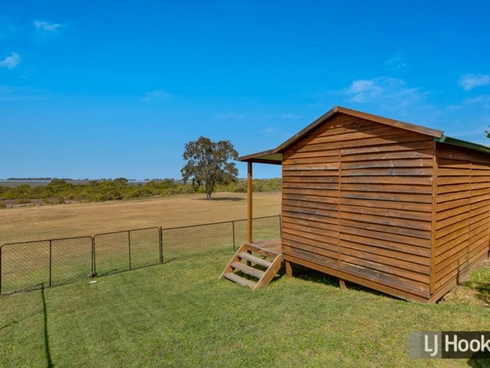 69 Mooroondu Road Thorneside, QLD 4158