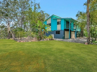 7-8 Boat Harbour Avenue Macleay Island , QLD, 4184