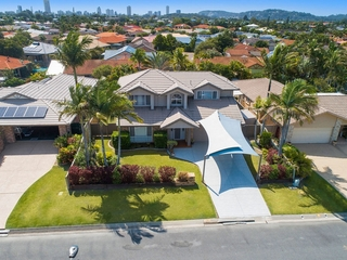 7 Goldfinch Avenue Burleigh Waters , QLD, 4220
