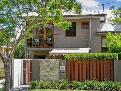 2/9 Cook Street Yeronga, QLD 4104
