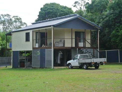 15 Alexander Street Macleay Island, QLD 4184