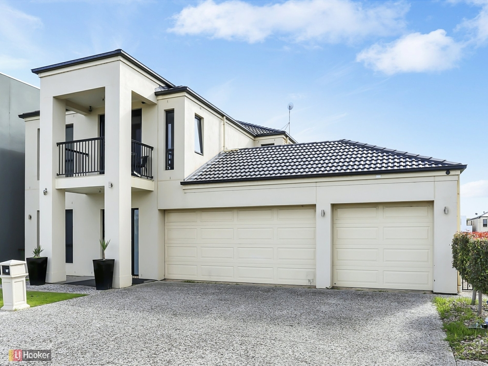 16 Tamblyn Court Mawson Lakes, SA 5095