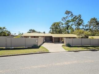 1 & 2/2 Apollo Drive Clinton, QLD 4680