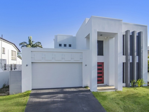 6 Cessnock Close Mermaid Waters, QLD 4218