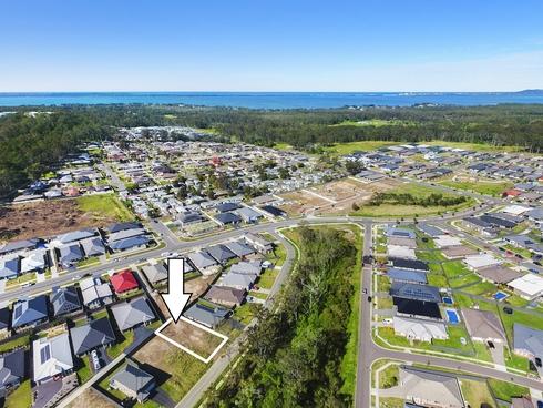 11 Stanhope Crescent Wadalba, NSW 2259