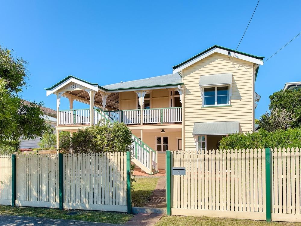 5 Seventh Avenue Kedron, QLD 4031