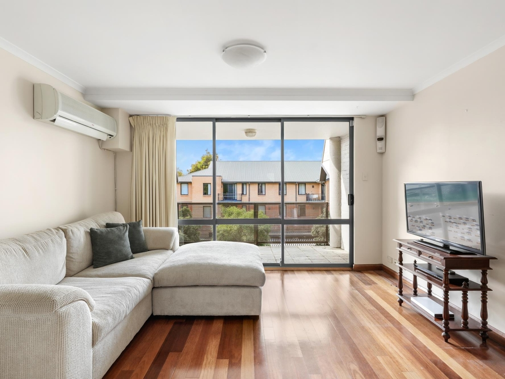 76/155 Missenden Road Newtown, NSW 2042