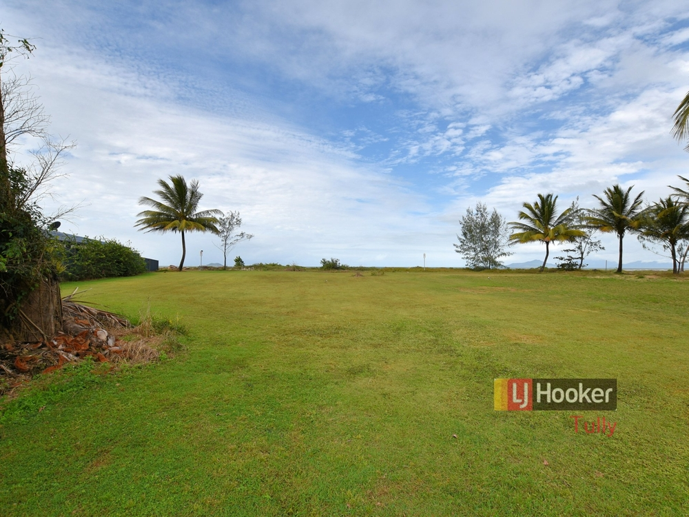 52-54 Taylor Street Tully Heads, QLD 4854