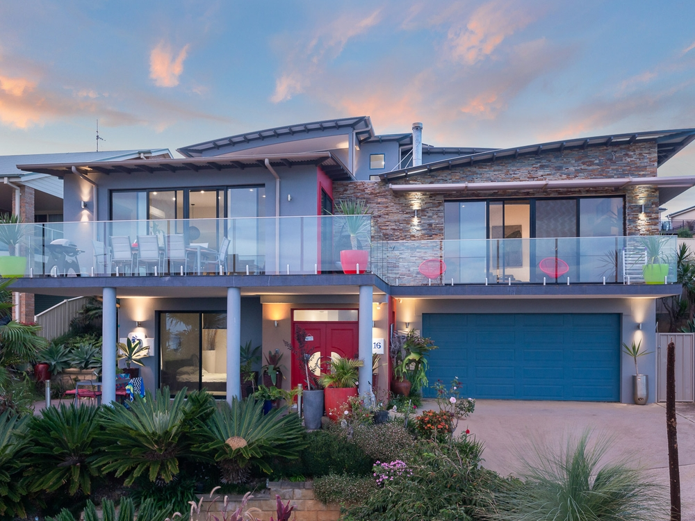 16 Mary Place Long Beach, NSW 2536