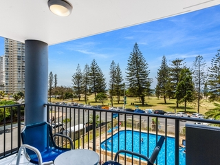 9/155 Old Burleigh Road Broadbeach , QLD, 4218