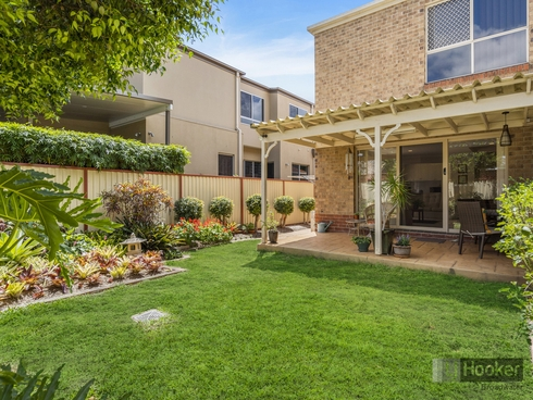 2/38A Middle Street Labrador, QLD 4215