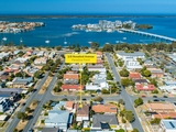 2/8 Rosalind Avenue Paradise Point, QLD 4216