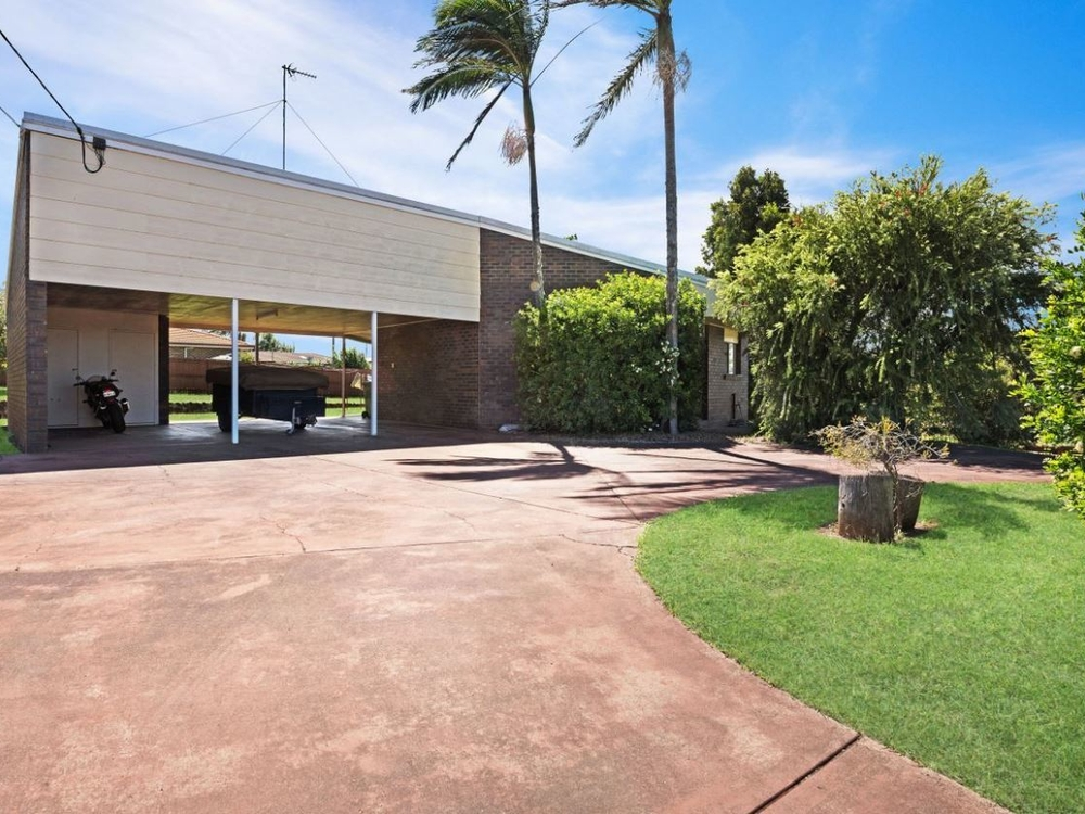 2/2 Cullen Court Rockville, QLD 4350