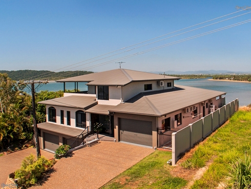 11 Maria Street Flying Fish Point, QLD 4860