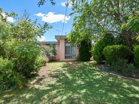 33 Nixon Crescent Tolland, NSW 2650