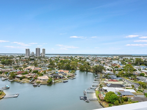 2703/5 Harbour Side Court Biggera Waters, QLD 4216