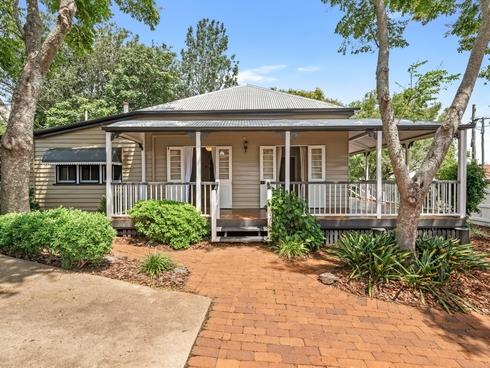 10 Hampshire Street North Toowoomba, QLD 4350