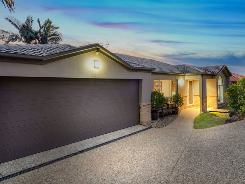 15 Nottinghill Place Oxenford, QLD 4210